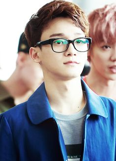 Kim Jongdae ♥ with glasses I love boys who wear glasses:)