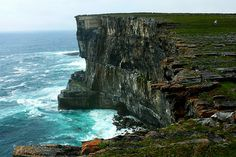 Aran Islands, one of Ireland's 10 most beautiful spots. Def on my list of visit. Tourist Places, Places To Travel, Places To See, Aran Islands Ireland, Travel Pictures, Cool Pictures, Adventures Abroad, Beautiful Places To Visit, Amazing Places