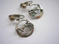Silver tone metal dangle Horse pattern clip on by badgestuff, $4.00