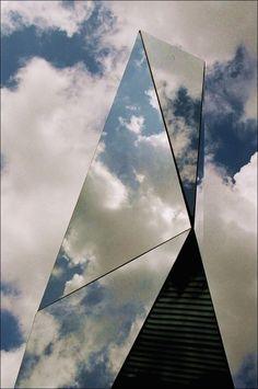 Kunstmuseum, Stuttgart, Germany #architectsjournal #architecturaldesign design inspiration, architecture, luxury design . Visit www.memoir.pt