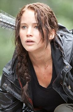What do you think of Jennifer's 'Katniss' look? Is it 'realistic'? #jenniferlawrence #hair