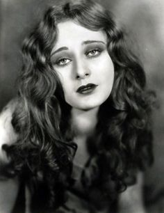 """Dolores Costello (1903 – 1979), nicknamed """"The Goddess of the Silent Screen"""", mother of John Drew Barrymore and grandmother of Drew Barrymore. Description from pinterest.com. I searched for this on bing.com/images"""