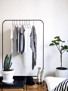 Via NordicDays.nl | Monochrome | IKEA Clothing Rack | HAY Table