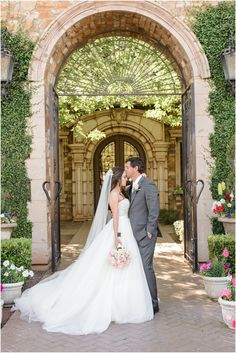 Romantic blush and grey wedding at Villa Siena in Gilbert, Arizona.
