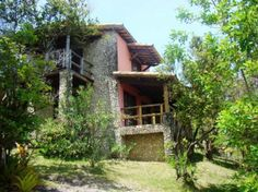 Casa de 2 Pavimentos com 180m2. Bela vista para o mar e cercada de mata nativa.  Veja mais aqui - http://www.imoveisbrasilbahia.com.br/boipeba-excelente-terreno-de-20-738m2-com-casa