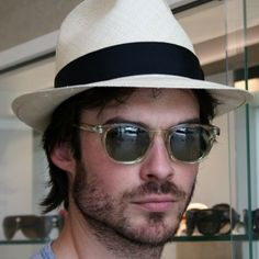 Here's another picture (more clear) for all you The Vampire Diaries fans! Ian Somerhalder wearing Barton Perreira GILBERT in champagne with vintage green lenses. What a hottie! #eyewearbyolga #ebo #iansomerhalder #bartonperreira #eyecandy #swagster #igersoftheday #lef #luxury #lunettes #celebrity