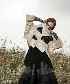 Givenchy       갈대 숲 속의 여인 - VOGUE.co.kr
