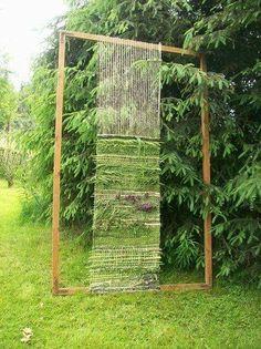 Im Garten ! 2019 Im Garten ! The post Im Garten ! 2019 appeared first on Weaving ideas. Weaving Projects, Weaving Art, Loom Weaving, Tapestry Weaving, Land Art, Outdoor Learning, Tear, Arte Floral, Plantation