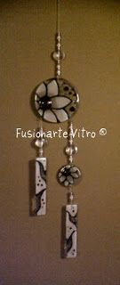 Fusionarte-Vitro ®: Llamadores de Angeles... Fused Glass Ornaments, Fused Glass Jewelry, Fused Glass Art, Polymer Clay Jewelry, Mosaic Glass, Bee Creative, Glass Wind Chimes, Stained Glass Paint, Glass Flowers