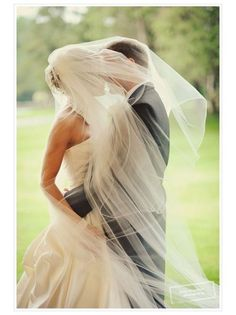 Wedding Picture of Veil blowing in wind, so pretty!