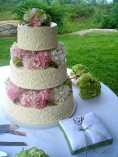 Get expert wedding planning advice and find the best ideas for wedding decorations, wedding flowers, wedding cakes, wedding songs, and more. Wedding Dj, Wedding Vendors, Wedding Cakes, Dream Wedding, Wedding Ideas, Wedding Stuff, Wedding Bells, Garden Wedding, Pretty Cakes