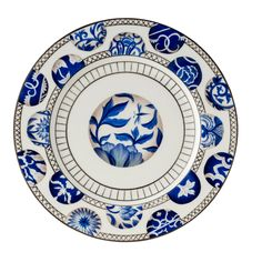 Created by renowned AD100 designer Alberto Pinto for Raynaud, the Shanghai dinnerware re-creates antique blue and white Chinese pattern using the finest Limoges porcelain.