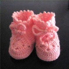 pink baby girl booties crochet pattern