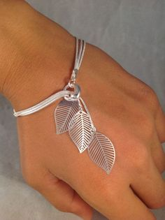 Sterling silver bracelet Simple filigree leafs falling leafs bracelet jochec leaf bracelet leaf jewelry modern sterling silver bracelet – Silver Jewellery / Silberschmuck - To Have a Nice Day Leaf Jewelry, Wire Jewelry, Jewelry Crafts, Beaded Jewelry, Jewelery, Jewelry Bracelets, Handmade Jewelry, Diamond Bracelets, Filigree Jewelry