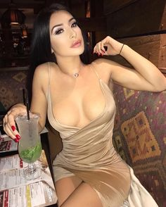 Fashion Inspo for Bimbos, Barbies & Trophy Wives Sexy Outfits, Cute Outfits, Dress Skirt, Dress Up, Bodycon Dress, Hot Dress, Tight Dresses, Sexy Dresses, Glamour