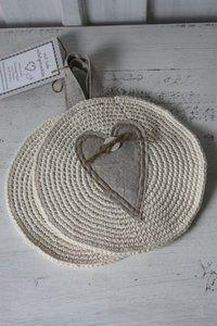 52 Ideas For Crochet Heart Coaster Place Mats Crochet Kitchen, Crochet Home, Love Crochet, Crochet Baby, Knit Crochet, Crochet Hearts, Crochet Mandala Pattern, Crochet Patterns, Crochet Hot Pads