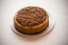 Pay Tortuga: Cheesecake de Oreo con cajeta, nuez, y chocolate.