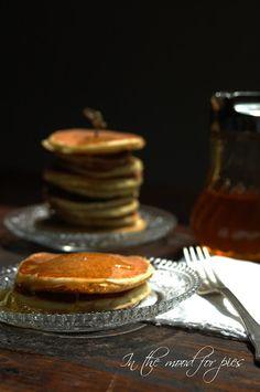 Ci siamo! Oggi è il 21 giugno , primo giorno d'estate !! Archiviati gliesami possiamo dedicarci ad un'estate di tutto riposo prima del nuovo anno scolastico. In questi giorni le colazioni diventano brunch, a volte pranzi , è il bello della vacanza, non ci sono orari e si è più liberi di trasgredire. I miei figli amano i pancakes, ma toccava sempre a me prepararli, finchè Nigella mi è venuta in soccorso con questo preparato per pancakes da tenere sempre pronto per una colazione veloce e a…