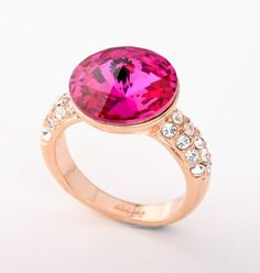 Exquisite Round Pink Crystal Alloy Rose Gold Plated Women's Ring