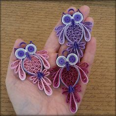Paper Quilling Flowers, Paper Quilling Jewelry, Quilled Paper Art, Quilling Paper Craft, Quiling Paper, Neli Quilling, Quilling Cards Design, Paper Quilling Designs, Quilling Patterns