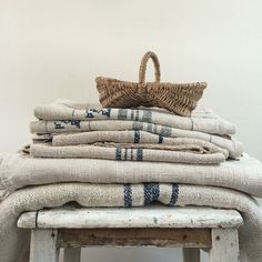 Comme Un Lion En Cage, French Boutique, Pink Palette, Décor Antique, Textile Texture, Grain Sack, Decorated Jars, Linens And Lace, Striped Linen