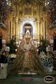 Virgen de la Macarena de Sevilla:::::RAFAES 2007 Westminster, Our Lady Of Sorrows, Religion Catolica, Blessed Mother, Mother Mary, Holiday Decor, Beautiful, High Fashion, Angel