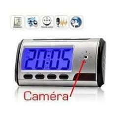 Pour filmer en toute discrétion dans une pièce, ce réveil caméra espion est idéal.