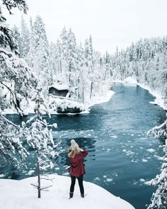 A highlight of our trip to Lapland, Finland - the beautiful Oulanka National Park, which is transformed into a winter wonderland in the snow. [photos] reisen Winter Wonderland in Lapland, Finland Winter Szenen, Winter Love, Winter Travel, Snow Travel, Winter Months, Winter Season, Places To Travel, Places To Visit, Finland Travel
