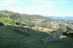 Aan de rand van de olijfboomgaard is het een genot om je vakantie door te brengen. Op korte afstand van de kunst en cultuur van Florence en toch midden in de natuur.