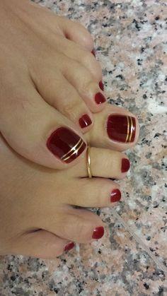 39 Ideas For Pedicure Designs Maroon Toe Nails 39 Ideas For Pedicure Designs Maroon Toe Nails - Nail Designs Pretty Toe Nails, Cute Toe Nails, Pointy Nails, Gold Toe Nails, Red And Gold Nails, Gold Nail Art, Red Gold, Maroon Nails, Gold Nails