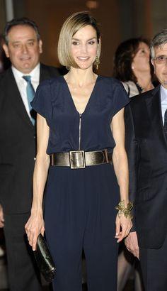 Nuevo 'look', viejas cuasas. Reina Letizia