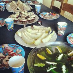 Pirate party food ideas. Swamp jelly and melon boats