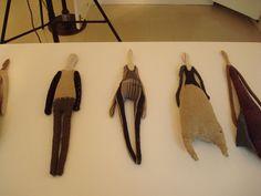 Оригинал взят у wool_bulb в Manon Gignoux – французкий тестиль. Manon Gignoux текстильная художница, кукольница и модельер, работающая в Париже. Куклы, штучки, тряпочки, одежда,…
