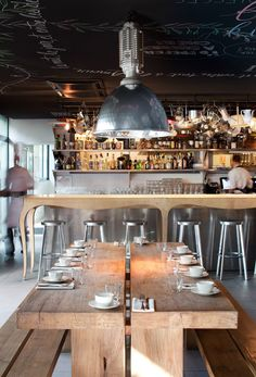 mama shelter - paris, france | The best vintage places and things that you want to see with an industrial style. #design #vintage #industrial | See more suggestions at www.vintageindustrialstyle.com