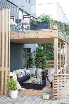 A terrace for both summer and autumn - Byggmakker # autumn . Informations About A terrace for both summer and autumn - Byggmakker # autumn Pergola Patio, Pergola With Roof, Diy Patio, Backyard, Patio Ideas, Covered Pergola, Pergola Swing, Pool Ideas, Garden Ideas