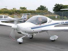 Pilot starting up Diamond Katana DA20, the tra...