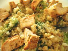 Risoto de Quinoa no azeite de trufas brancas com Brócolis, Filé de frango em cubinhos e castanha do pará
