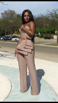 Style inspiration: Wedding guest dresses for every shape and style - Wedding Digest Naija Fashion Moda, Look Fashion, Girl Fashion, Fashion Dresses, Womens Fashion, Fashion Trends, 50s Dresses, Lace Dresses, Elegant Dresses