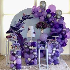 Quem aí ama a cor Purpura/Lilás!? Lindíssima festa!  Credito: @delbosquedecoracoes  #Festainfantil #ChadeBebe #FestaPurpura #FestaLilas #ChaPurpura #ChaLilas #PurpleRain #FestaMenina #ChaMenina