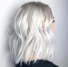 -Clear Platinum-White Blonde Haircolor Formula white blonde platinum blonde baby white blonde hair olaplex thejesjewels See it Platinum Blonde Hair Color, Silver Blonde Hair, Blonde Color, Silver Platinum Hair, Short Platinum Hair, Silver White Hair, White Ombre Hair, Golden Blonde, White Hair Colors