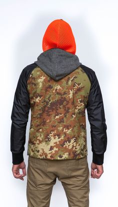 The Griffin Upside Down Jacket back is an original camouflage fabric from the mill Majocchi; mixed with a super light weight Italian technical nylon with micro ripstop and PU coating on the sleeves. The front and outer hood is made from a traditional wool company Fox Brothers & Co Ltd. The inner is a 3D mesh fabric is made by Scheoller which is designed to keep you both warm and ventilated. #griffin #menswear #sportswear #fashion #military #british #technology #sustainability #modern…