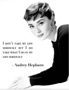 Be inspired to pursue dream life with these phone wallpaper quotes to inspire. Audrey Hepburn Mode, Audrey Hepburn Photos, Quotes By Audrey Hepburn, Audrey Hepburn Costume, Audrey Hepburn Breakfast At Tiffanys, Quotes Dream, Quotes To Live By, Life Quotes, Style Quotes