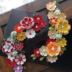 Decor Crafts, Diy And Crafts, Kanzashi Flowers, Ribbon Crafts, Suncatchers, Shibori, Holidays And Events, Fabric Flowers, Crochet Necklace