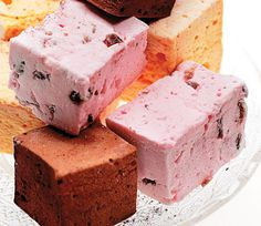 Strawberry Marshmallows by saveur   #Marshmallows #Strawberry