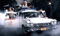 Dan Aykroyd & Ernie Hudson alongside Ecto-1 #Ghostbusters (1984)