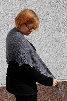 Titanium huivi Cowl Scarf, Knitting Accessories, Knitted Shawls, Ikon, Mittens, Scarves, Pullover, Crochet, Lace