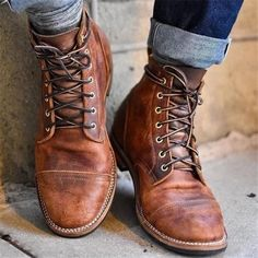 2018 High Quality Men's Vintage British Boots Autumn Winter Short Leather Boots Men Fashion High-Cut Lace-up Martin Boots Male M Rugged Style, Plus Size Boots, Mens Boots Fashion, Rugged Men's Fashion, Fashion Men, Fashion Sites, Style Fashion, Fashion Shoes For Men, Fashion Design