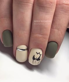 The advantage of the gel is that it allows you to enjoy your French manicure for a long time. There are four different ways to make a French manicure on gel nails. Nail Polish Colors, Gel Nail Polish, Acrylic Nail Designs, Nail Art Designs, Split Nails, Glitter French Manicure, Square Acrylic Nails, Sexy Nails, Green Nails