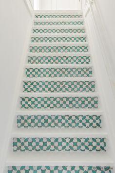 Trap metamorfose met trap stickers mozaiek mint Behangfabriek ©BintiHome