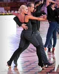 They always look amazing, even during warm ups! Yulia and Riccardo